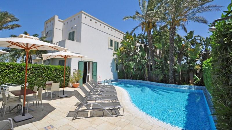 Residence arainn - Residence a san candido con piscina ...